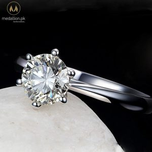 925 Sterling Silver Classic Style Ring.-0