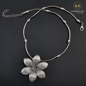Vintage Thailand Silver Plated Flower Shape Necklace -680